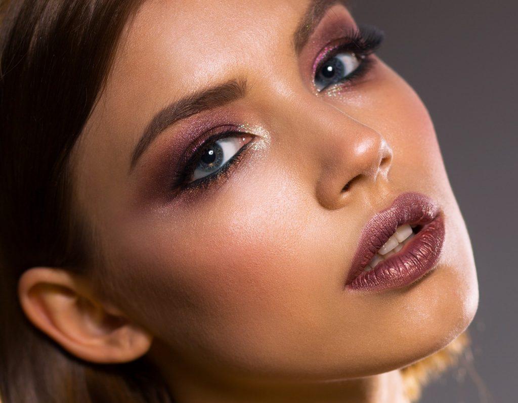 Maquillaje mujer belleza