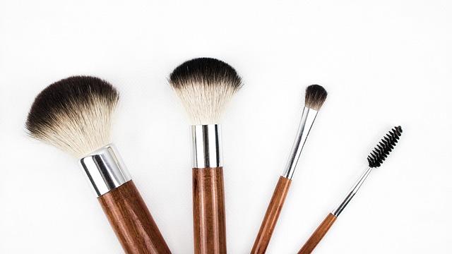 maquillaje cejas rostro redondo